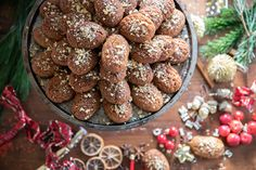 The Greek Christmas cookies Melomakarona are crunchy outside, juicy from honey inside and filled with crunched walnuts. Greek Christmas, Christmas Sweets, Christmas Recipes, Christmas Time, Melomakarona Recipe, Traditional Christmas Cookies, Greek Sweets, Sweet Spice, Honey Syrup
