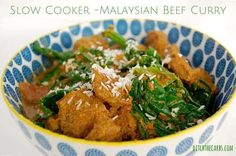 Such an easy recipe for Slow Cooker Malaysian Beef Curry. Serve with Cauliflower Rice and coconut cream for a dairy free, gluten free & Low Carb nutritious, economical dinner. Healthy Crockpot Recipes, Slow Cooker Recipes, Real Food Recipes, Crockpot Meals, Freezer Meals, Hash Browns, Chips Ahoy, Banting Recipes, Low Carb Recipes