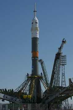 Roll out of the Soyuz TMA-13M rocket