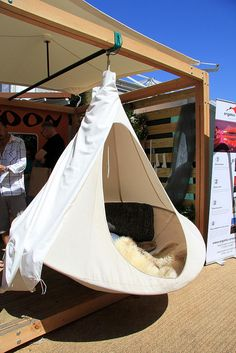 hanging tent for reading