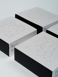 Empo Kit (Packaging, Lettering) by Lo Siento Studio, Barcelona - mi sitio Paper Packaging, Print Packaging, Packaging Design, Product Packaging, Packaging Ideas, Box Design, Design Art, Ecommerce Packaging, Origami