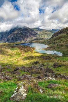 ✮ Llyn Idwal is a small lake that lies within Cwm Idwal in the Glyderau mountains of Snowdonia, North Wales UK -  Fabulous Pic!