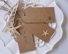 Wonderful 32 Beach Christmas Décor Ideas : Wonderful 32 Beach Christmas Décor Ideas With White Greetings Card