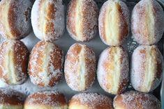 Portuguese Doughnuts (sonhos) - Homemade Breads Making Biscuit Donuts, Biscuit Recipe, Doughnuts, Biscuits, Easy Donut Recipe, Donut Recipes, Cooking Recipes, Portuguese Sweet Bread, Portuguese Recipes