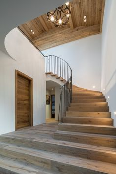 Johann in Tirol: Haus°F HK Architektur. Johann in Tirol: Haus°F -HK Architektur. Johann in Tirol: Haus°F - Style At Home, Architecture Résidentielle, Modern Staircase, House Rooms, Stairways, Home Fashion, Future House, Sweet Home, House Styles