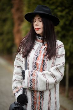 lillymarlenne.blogspot.com  Ethnic print wool coat H&M   #ethnic #boho #womensfashion