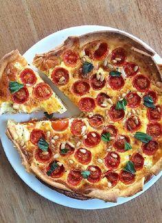 Low FODMAP & Gluten free Recipe - Tomato, thyme & bacon flan http://www.ibssano.com/low_fodmap_recipe_tomato_thyme_bacon_flan.html
