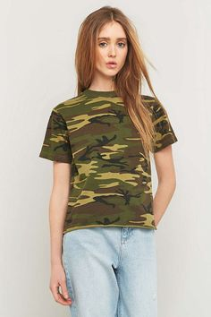 Urban Renewal Vintage Customised Washed Camo Raw Edge T-shirt - Urban Outfitters