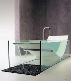 UFO bath by Giampoalo Benedini - This would be an interesting concept. I might love it.
