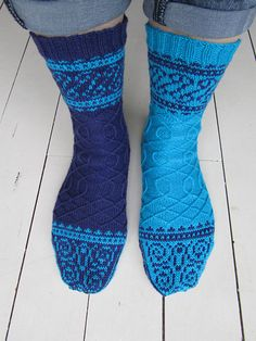 Eisern, a free knitted sock pattern by General Hogbuffer. (photo source)