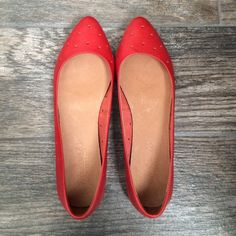Madewell Red Holepunch Dot Skimmer Pointy Flats Like new Madewell red Holepunch skimmer flats. Only worn 2 times. Leather, great spring summer shoes! No rips, stains, etc. true to siZe Madewell Shoes Flats & Loafers