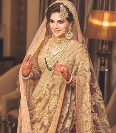 The inside scoop on all the latest Indian bridal style and fashion for our stunning Indian brides! Pakistani Wedding Outfits, Pakistani Bridal Dresses, Bridal Outfits, Bridal Lehenga, Indian Dresses, Hindu Girl, Sikh Bride, Bridal Makeover, Mode Hijab