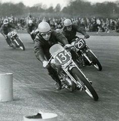 John Surtees showing 'em who's boss on his Vincent Grey Flash at the '52 Silverstone TT - Mike