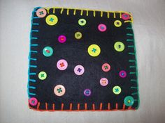 Felt bag panel with buttons