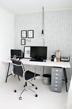 Despacho en blanco y negro #estudio #workspace #desk #wood #white