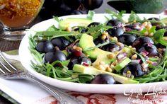 Салат с авокадо и черным виноградом | Кулинарные рецепты от «Едим дома!»