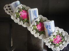 Porta sabonete em croche para 3 unidades, ideal para deixar o seu banheiro ainda mais lindo e bem mais prático.