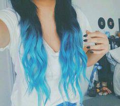Capelli blu e azzurri