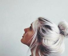 I wish I had the balls to dye my hair this way