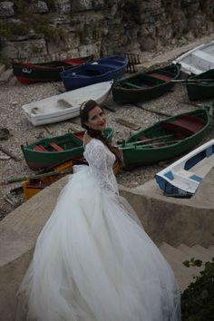 Ersa Atelier wedding dress Burgundy Wedding, Lace Wedding, Wedding Dresses, Ersa Atelier, Italy Wedding, Fashion, Bride Dresses, Moda, Bridal Gowns