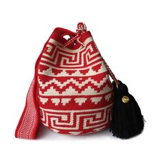 $62.90-$74.90 Excellent craftsmanship from the desert of Colombia.     Small Wayuu bags are your go-to comfortable cross-body bag.  Each bag carries a little piece of the soul of the indigenous artisan, taking 10-15 days to complete a single piece.    All Wayuu bags come with a handwritten postcard, and little gift.     www.lombiaandco.com Tapestry Bag, Tapestry Crochet, Knit Crochet, Tribal Patterns, Single Piece, Little Gifts, Cross Body, Bucket Bag, Steampunk
