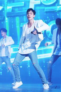 Shownu 셔누 || Son Hyunwoo 손현우 || Monsta X || 1992 || 181cm || Main Dancer || Vocal || Leader