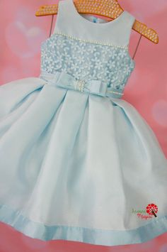 Vestido de Festa Infantil Azul Princesa Petit Cherie - Árvore Mágica Frocks For Girls, Kids Frocks, Dresses Kids Girl, Kids Outfits, Flower Girl Dresses, Baby Girl Dress Patterns, Baby Dress Design, Kids Dress Wear, Dress Anak