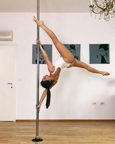 Pole dancing photography art flexibility ideas for 2019 Pole Fitness Moves, Pole Dance Moves, Pole Dancing Fitness, Aerial Dance, Aerial Hoop, Fitness Photography, Dance Photography, Pool Dance, Pole Tricks
