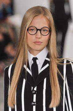 "lesbeehive: "" Les Beehive – Ralph Lauren RTW Spring 2014 - New York Fashion Week Day 8 "" Runway Fashion, Fashion Models, Fashion Beauty, Women's Fashion, Runway Hair, Corte Y Color, Eyeglasses For Women, Geek Girls, Womens Glasses"