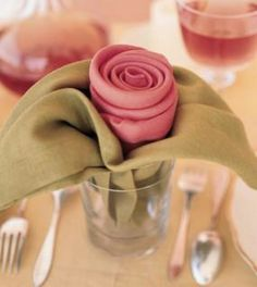 DIy- Rose and leaves napkin folding- great for a holiday or wedding! parties and entertaining ideas. baby and bridal showers. Do It Yourself Quotes, Serviettes Roses, Mothers Day Flowers, Party Decoration, Origami Decoration, Flower Decoration, Table Decorations, Napkin Folding, Napkin Origami
