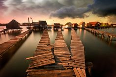 """""""No Country for Old Men"""" (Adam Dobrovits)"""