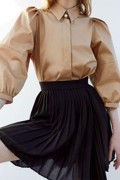 Sexy Blouse, Bow Blouse, Blouse And Skirt, Dress Skirt, Shoes For Leggings, Skirt Leggings, Blazer Shirt, Shirt Dress, Pleated Mini Skirt