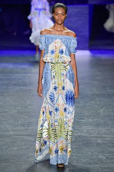 Naeem Khan Spring 2017 Ready-to-Wear Fashion Show