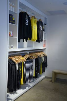 Merchandise area but with recycled wood/pine white washed + succulents Boutique Interior, Clothing Store Interior, Clothing Store Design, Dance Studio Design, Hypebeast Room, Dance Shops, Bedroom Setup, Gym Decor, Game Room Design
