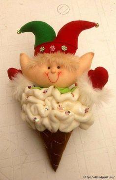 +0 (449x700, 199Kb) Felt Christmas Ornaments, Winter Christmas, Merry Christmas, Christmas Crafts, Christmas Decorations, Holiday Decor, Primitive Doll Patterns, Elves And Fairies, Felt Dolls