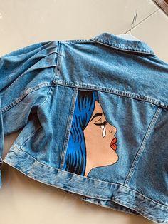 Denim jacket with art; Jacket with painting; Art on denim Painted Denim Jacket, Painted Jeans, Painted Clothes, Hand Painted, Artisanats Denim, Denim Art, Jean Diy, Frack, Denim Ideas