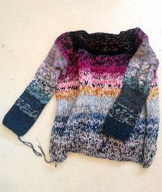 I owe my Juliana a debt of design on this sweater because she almost punched me in the face when I told her I needed to buy some yarn to ma. Knitting Designs, Knitting Projects, Knitting Patterns, Knitting Yarn, Hand Knitting, Couture, Pulls, Knitwear, Knit Crochet