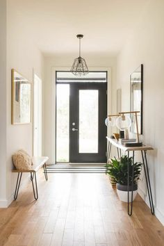 - Modern Interior Designs - Find out why mid-century entryway and lobby decor is the way to go! Modern House Design, Modern Interior Design, Modern Decor, Modern Houses, Houses Houses, Small Houses, Contemporary Interior, Modern Entryway, Entryway Decor