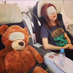Lindsey Stirling and the adorable stranger next to her ;)