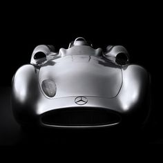 This car looks like it's alive! Mercedes Benz W196 'Silberpfeil' (1955) by paulaqwest