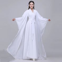 Hanfu, Halloween Outfits, Halloween Clothes, Chinese Clothing, Fashion Design Sketches, Asian Fashion, Fashion Beauty, Cosplay Costumes, Gowns