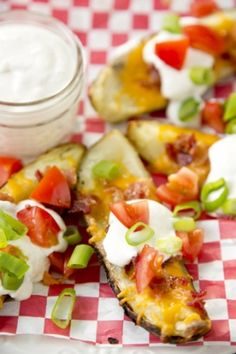 Paula Deen Grilled Potato Skins I am going to use a smaller potato so I can leave them in halves rather than quarters for easier handling. Think Food, I Love Food, Good Food, Yummy Food, Tasty, Recipes Appetizers And Snacks, Grilling Recipes, Cooking Recipes, Cooking Tips