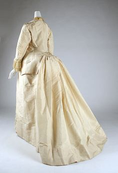 Dress Date: 1875–81 Culture: probably American Medium: silk, ostrich feathers Accession Number: 1995.341.20