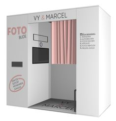 Photobooth with individual layout design for weddings