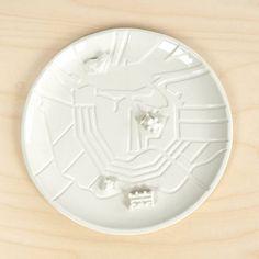 Now available: The Amsterdam city plate. Be quick and order it in our webshop before Christmas! . . #Amsterdam #020 #damsko #ams  #iamsterdam #cityplate #porcelain #eyefilmmuseum #dewaag #rijksmuseum #rijksmuseumamsterdam #Paradiso #capital #Nederland #bebouwdekom #bebouwd #bordmetgebouwen #amsterdambord #lorier #traitor #studiolorier #dutchdesign #Dutch #grachten #canals #ij #hetij #old #new #centrum