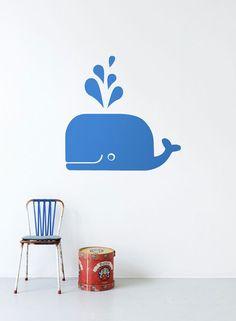 Ferm Living walvis muursticker    Deze muursticker van Ferm living is gemaakt voor stoere jongens. Met deze blauwe walvis muursticker geef je de kinderkamer een leuke look!    De muurstickers van Ferm Living zijn eenvoudig te verwijderen en opnieuw te gebruiken.  In de verpakking zit een duidelijke plakinstructie en er zit ook een teststickertje met spatel bij.  Geschikt voor gladde oppervlakken: muren, plafond, meubels, ramen.