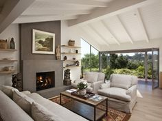 Electric fireplace ideas mounted wall fires best mount on christmas decorations . Cottage Fireplace, Modern Fireplace, Fireplace Ideas, Cozy Living Rooms, Living Room Decor, Wall Fires, Farmhouse Cabinets, Apartment Chic, Modern Ceiling