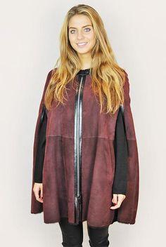 Vent couvert merino burgundy sheepskin cape poncho - Jessimara