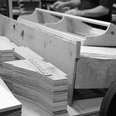 Työvaihe: Sohvarungon valmistus | Craft: Framework production Tuotantolinja: Sohvat | Production line: Sofas  #pohjanmaan #pohjanmaankaluste #käsintehty
