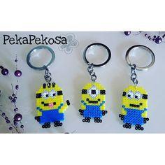 Minion keyrings hama mini beads by pekapekosa Minions, Hama Mini, Diy Perler Beads, Cross Stitch Designs, Beading Patterns, Holiday Gifts, Crafts For Kids, Projects To Try, Creations